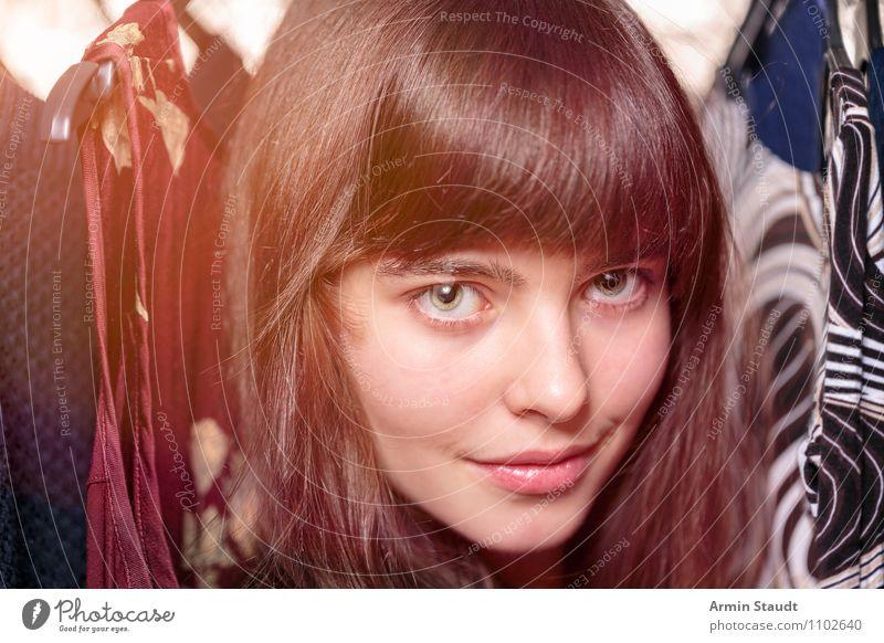 Neulich im Kleiderschrank IX Mensch Frau Kind Jugendliche schön Junge Frau Erwachsene feminin Stil Haare & Frisuren Kopf Lifestyle Mode Zufriedenheit Design leuchten
