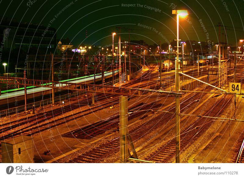 Basel bei Nacht Ferien & Urlaub & Reisen dunkel Bewegung Verkehr Eisenbahn Geschwindigkeit Gleise Bahnhof kommen Rauschen wegfahren