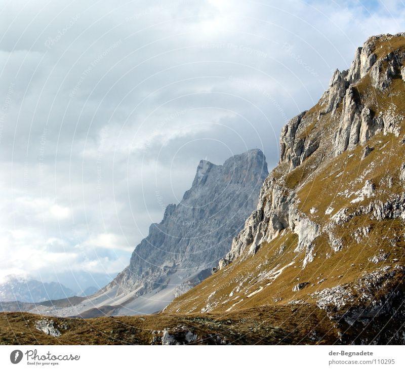 Sulzfluh Ferien & Urlaub & Reisen grün Wolken Ferne Berge u. Gebirge Herbst Gras Hintergrundbild braun Felsen Horizont Freizeit & Hobby Hügel Alpen Klarheit
