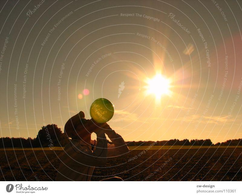 die leuchtboje I Luftballon Sonnenbrille Mütze Körperhaltung Spaziergang Pendler atmen maskulin wo Gelände Photo-Shooting Medien Fotograf Fotografieren Blatt