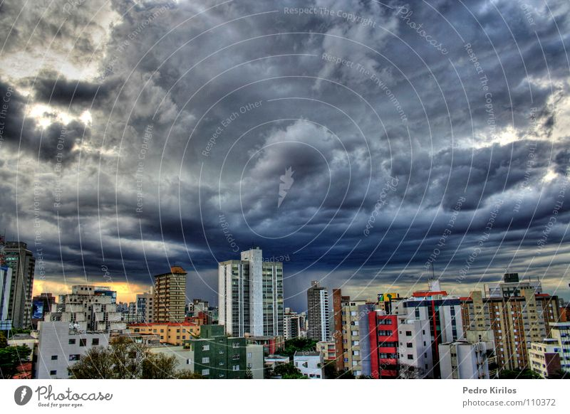 It´s a raniy day Brasilien HDR Winter rain chuva pedrokirilos Belo Horizonte color buildings predio
