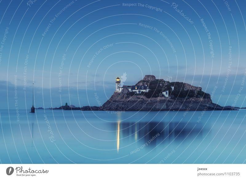 Un. Erreichbar Himmel blau Wasser Haus schwarz braun Insel Schönes Wetter Leuchtturm Heimweh
