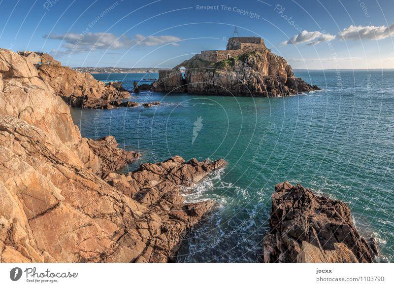 Fort de Bertheaume Himmel alt blau weiß Meer Landschaft Wolken Küste braun Felsen Horizont Wellen groß Insel Schönes Wetter Brücke