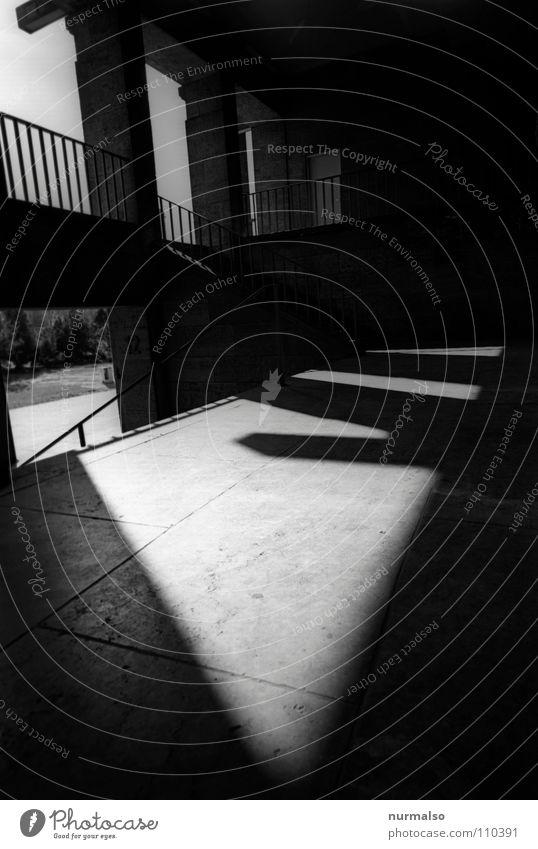Olymp A Symmetrie Licht Bauwerk Olympiade Stadion Umbauen Sportstätten Krieg Beton Konzert Stimmung Anspannung historisch Wahrzeichen Denkmal Spielen