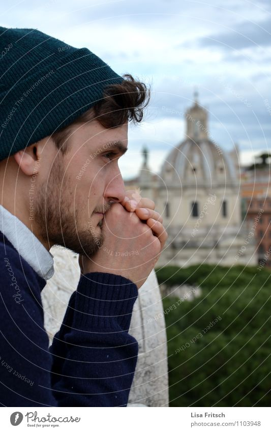Rom Mensch Ferien & Urlaub & Reisen Jugendliche Junger Mann 18-30 Jahre Erwachsene Denken träumen maskulin Freizeit & Hobby Tourismus Ausflug entdecken Mütze