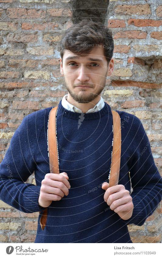 skepsis? maskulin Junger Mann Jugendliche Erwachsene Leben 1 Mensch 18-30 Jahre Hemd Pullover Rucksack brünett Bart Freude Coolness Unglaube Krise