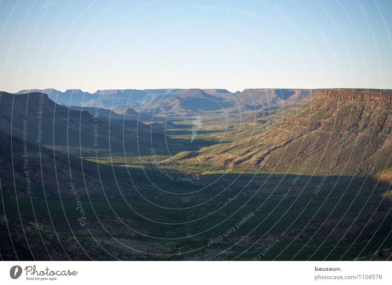 sonnig. Himmel Natur Ferien & Urlaub & Reisen schön Einsamkeit Landschaft Ferne Umwelt Berge u. Gebirge Freiheit Horizont Wetter Idylle Tourismus frei Klima