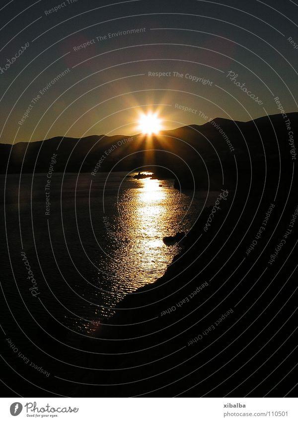 Griechischer Inselsonnenuntergang Sonne Meer Sommer gelb Beleuchtung Küste gold Felsen Griechenland Himmelskörper & Weltall Paros