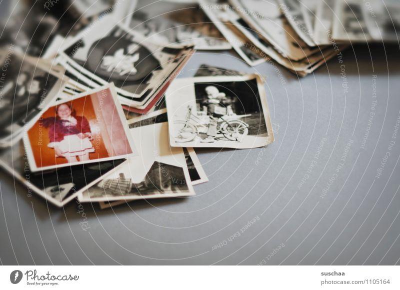in der vergangenheit kramen ... Kind alt Gefühle Fotografie Papier analog Anhäufung Erinnerung sentimental