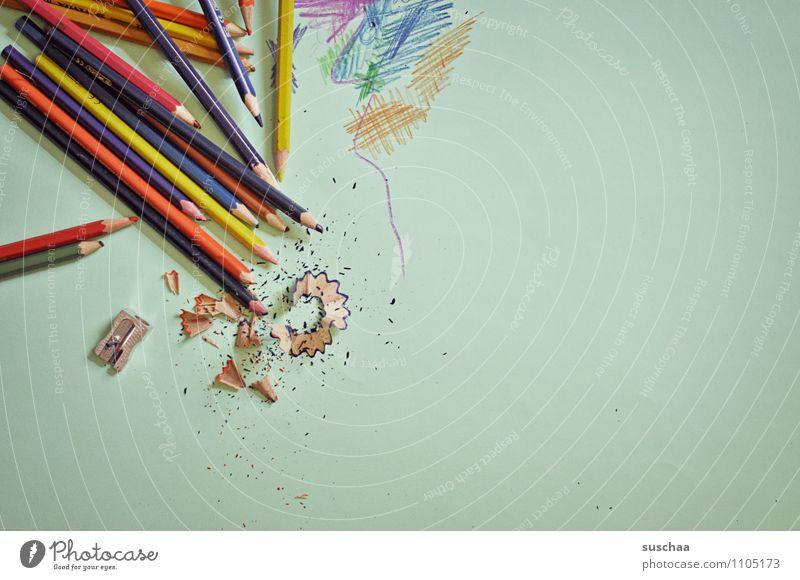 wo gehobelt wird .... Holz liegen Spitze malen Müll zeichnen Farbstift Kritzelei Späne Holzspäne Malutensilien