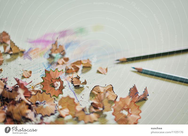 noch mehr gekritzel Holzspäne Späne Farbstift Kritzelei spitzen zeichnen Papier Idee