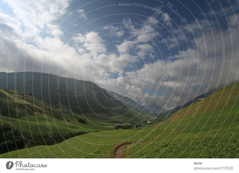 nochmal stehen geblieben Himmel Wiese Gras Berge u. Gebirge Wege & Pfade Landschaft Luft Gesundheit wandern Niveau Aussicht Schweiz Alpen Idylle Tanne Hütte