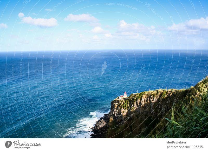 Kleiner Leuchtturm und weites Meer Ferien & Urlaub & Reisen Tourismus Ausflug Ferne Freiheit Umwelt Natur Landschaft Pflanze Urelemente Sommer Schönes Wetter