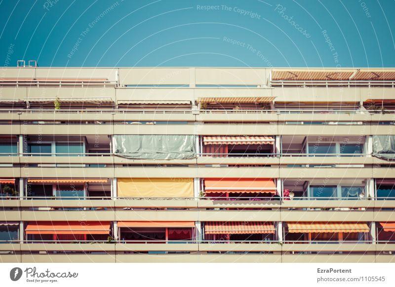 Balkonien Umwelt Himmel Frühling Sommer Haus Bauwerk Gebäude Architektur Fassade Fenster Linie Streifen ästhetisch außergewöhnlich trendy retro Stadt blau