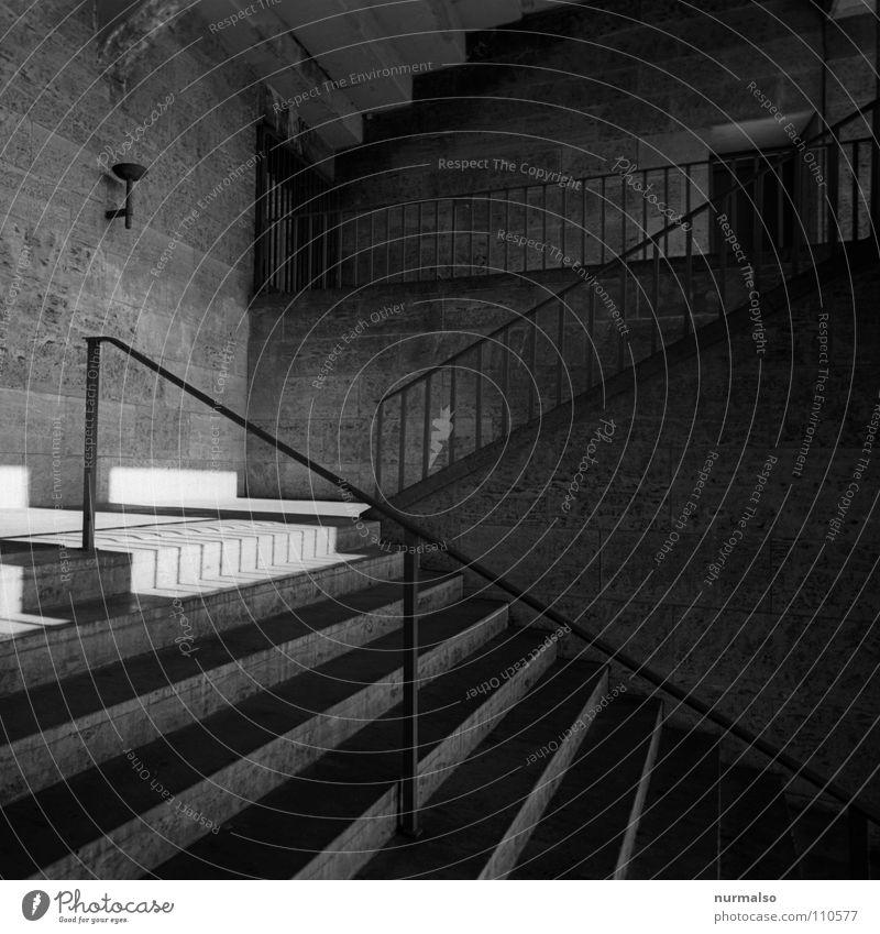 Olymp B Spielen Berlin Linie Treppe groß Beton modern Sicherheit Geländer Bauwerk historisch Konzert Gewalt Denkmal Stahl Stadion