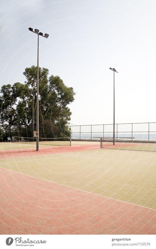 tennis court on cyprus Zypern Tennisplatz Meer Flutlicht Ballsport limassol sea