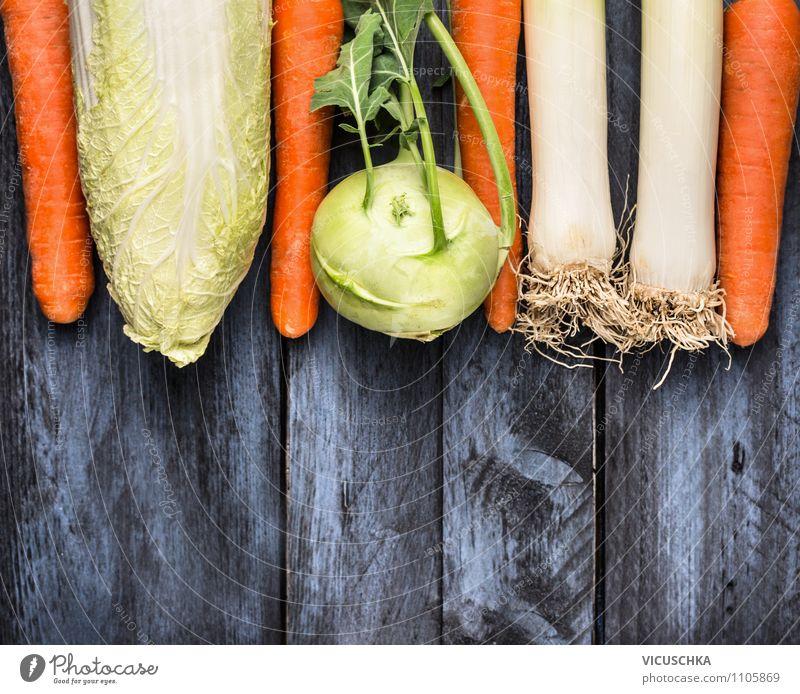 Gemüse auf blauem Holztisch Gesunde Ernährung Stil Hintergrundbild Garten Lebensmittel Kopf Design Kochen & Garen & Backen Ernte Bioprodukte Diät Mittagessen