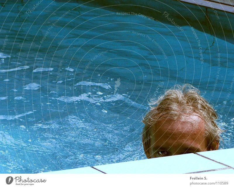 Im Auge des Betrachters Mann blau Wasser Sommer Haare & Frisuren Kopf Wellen nass maskulin Schwimmbad türkis Sonnenbad Wassersport