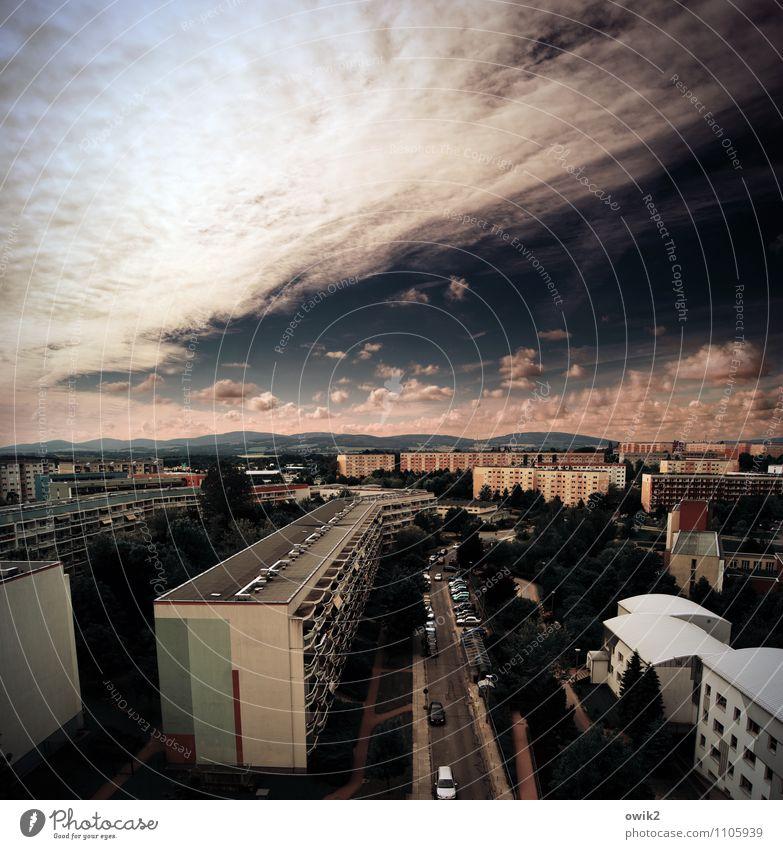 Container Himmel Wolken Horizont Schönes Wetter Bautzen Deutschland Lausitz Kleinstadt bevölkert Haus Gebäude Plattenbau Wohngebiet Mauer Wand Fassade Fenster