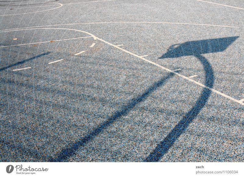 Schattenspiele Stadt blau Sport Spielen grau Linie Freizeit & Hobby Fitness sportlich Stadtzentrum Sport-Training Basketball Ballsport Sportstätten