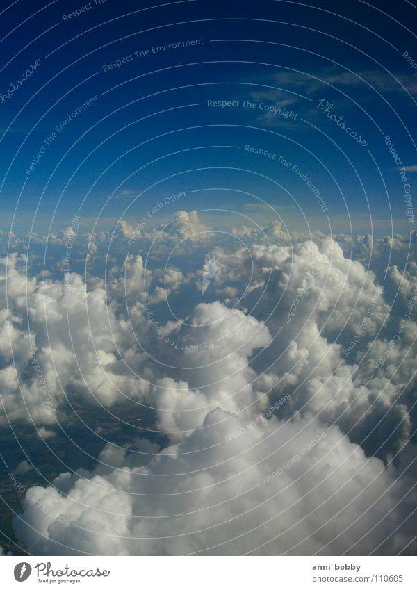 Wolkentürmchen schlechtes Wetter weiß Turm Watte Luft Himmel Luftverkehr blau frei blue sky clouds cloudy white fly free air