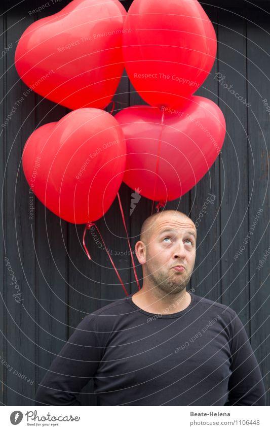 hoch hinaus | will er sich tragen lassen schön Körper Ballone maskulin Mann Erwachsene Kopf T-Shirt entdecken fliegen träumen warten rot schwarz Gefühle