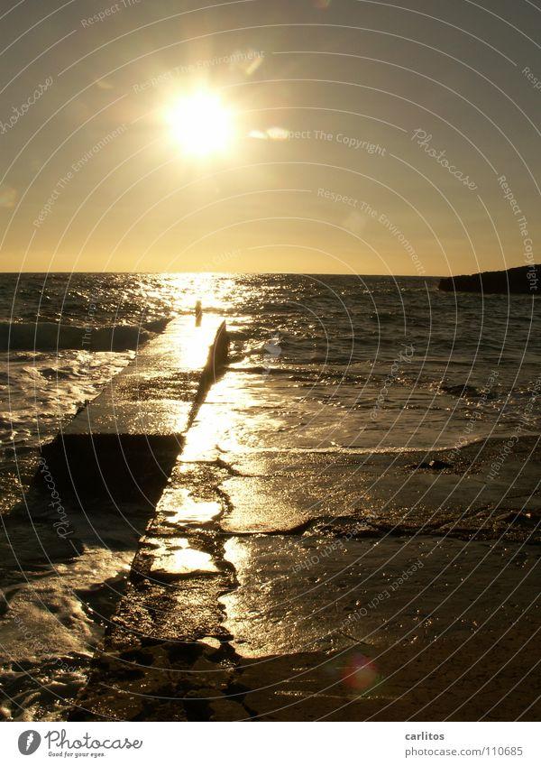 Die Zeiten ändern sich Wasser Ferien & Urlaub & Reisen Sonne Sommer Meer Erholung Gefühle Freiheit träumen Wellen Freizeit & Hobby glänzend frei Romantik