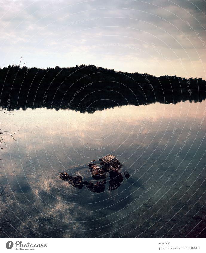 Wasser, Himmel, Stein Umwelt Natur Landschaft Urelemente Wolken Horizont Seeufer Idylle ruhig friedlich beruhigend Farbfoto Gedeckte Farben Außenaufnahme