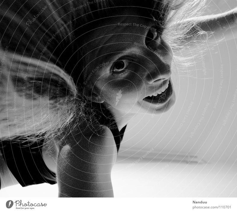 Nanduu hat euch lieb! Umarmen drücken Frau Porträt Haare & Frisuren Freude Schwarzweißfoto lachen Gesicht Nase