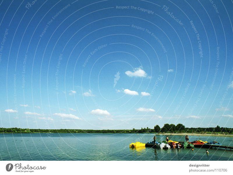 Erinnerst du dich? Sommer See Wolken Wasserfahrzeug Tretboot ruhig Erholung Sonnenbad Ferien & Urlaub & Reisen Himmel Wassertreter sun water lake swimm sky