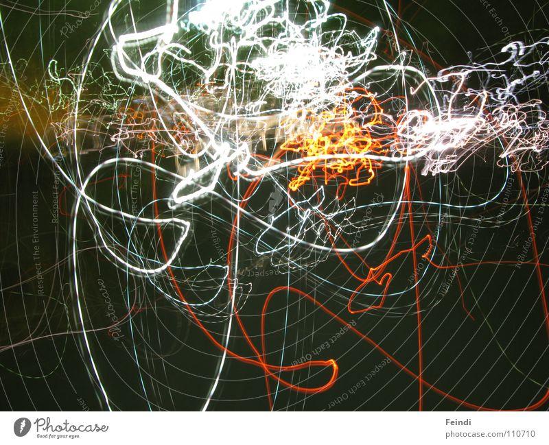 Light Licht Nacht Spuren dunkel Langzeitbelichtung Verzerrung Unschärfe