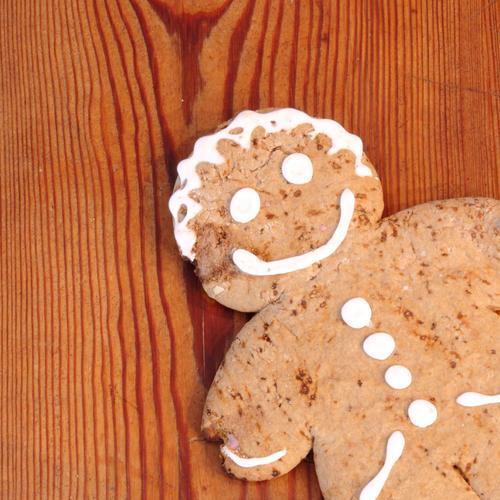 spießig | Grinsebacke Essen Holz Lebensmittel braun Ernährung Tisch süß lecker Möbel Süßwaren Übergewicht Kuchen Dessert Backwaren Vegetarische Ernährung