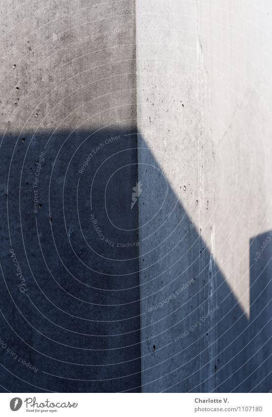 Schatten der Vergangenheit Wand Architektur Berlin Mauer grau Deutschland Europa Beton Schönes Wetter Bauwerk Denkmal Stadtzentrum Sehenswürdigkeit eckig