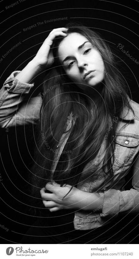 ... Jugendliche Junge Frau schwarz Leben feminin Haare & Frisuren selbstbewußt