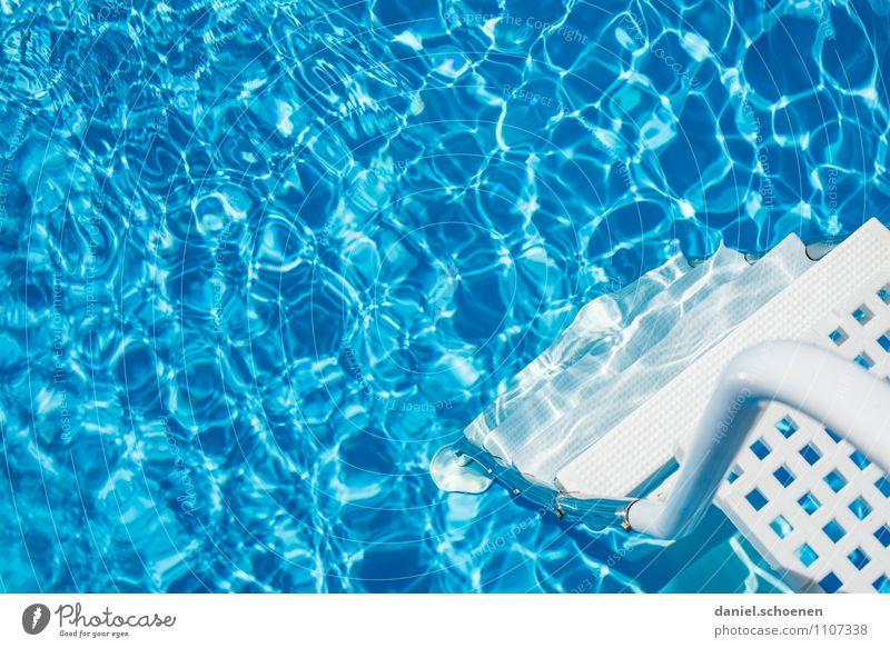 Quereinstieg Ferien & Urlaub & Reisen blau weiß Sommer Wasser Sonne Wohnung Häusliches Leben Schwimmbad Sonnenbad Sommerurlaub