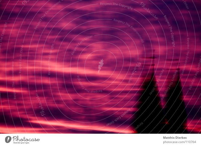 sky Sommer Gebäude Wolken schwarz Ferne Baum Schleier Luftverkehr Flugzeug Kollision Physik Balkon Farbverlauf Kondensstreifen Arnsberg Sauerland Freude schön