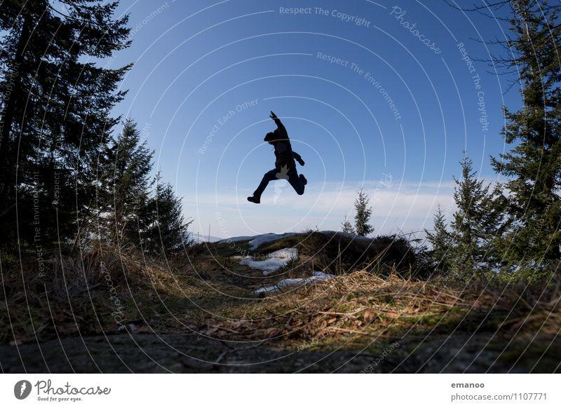 Schwarzwaldsprung Mensch Himmel Natur Ferien & Urlaub & Reisen Mann Landschaft Freude Ferne Wald Erwachsene Berge u. Gebirge Sport Freiheit fliegen Lifestyle