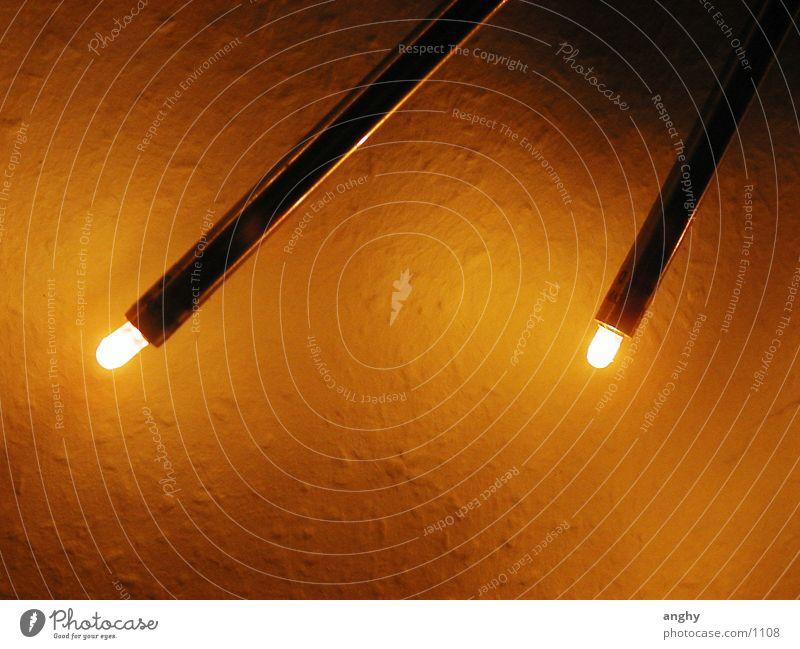 zwei Lampe Licht Physik Dinge Scheinwerfer Wärme