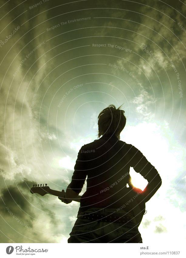 It´s for me to decide Mensch Himmel Jugendliche weiß Sonne Freude Wolken schwarz dunkel Spielen Holz Stimmung Musik hell Kunst Beleuchtung