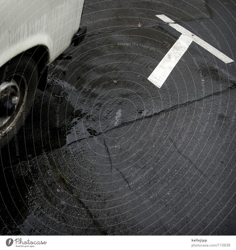 trab, trab, trab... Trabbi Parkplatz Abstellplatz Oldtimer Wiedervereinigung Bündnis Autotür Osten Bürgersteig Luftverschmutzung Motor Benzin Bewegung fahren