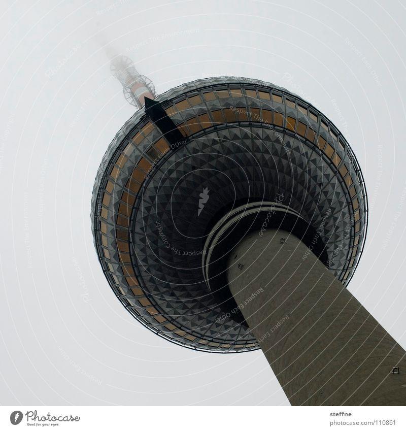 \.............. Alexanderplatz Wahrzeichen Fahrstuhl Nebel Antenne Deutschland Tourist Besucher modern Denkmal Berlin Turm Berliner Fernsehturm hoch 365 DDR