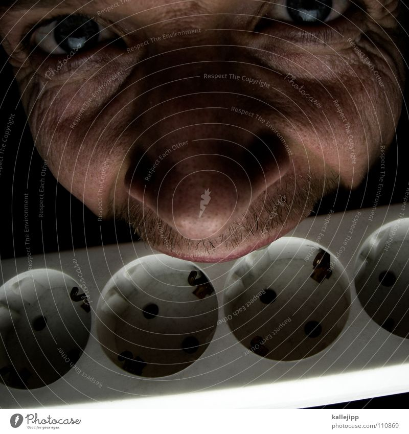 stromfresser Mensch Mann Gesicht lustig Energiewirtschaft verrückt Elektrizität Technik & Technologie Freak Witz Bildausschnitt beißen Steckdose Anschnitt