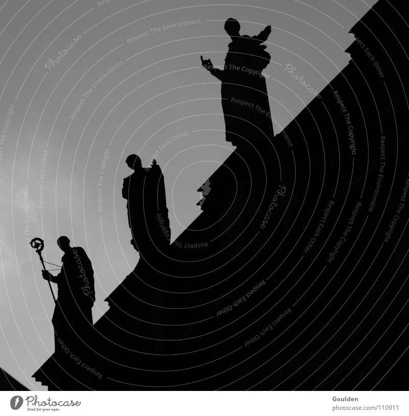 3 finstere Gestalten Dresden Geistlicher Religion & Glaube Statue Gegenlicht Gotteshäuser heilig