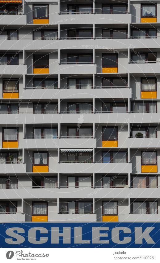 Lecker Beton II Hochhaus Balkon lecker Stuttgart grau Siebziger Jahre Aussicht Werbung Langeweile trist jomam Schleck blau Plattenbau Paradies Bunker orange