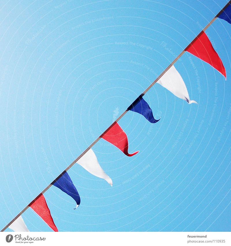 Schleswig-Holstein im Wind weiß blau rot Freude Ferien & Urlaub & Reisen Deutschland Fahne Frankreich Symbole & Metaphern Ostsee Nordsee Niederlande Bundesland