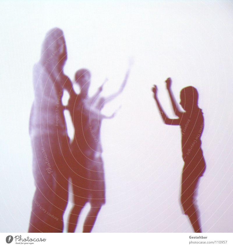 Schattenspiel 14 Frau Kind kindlich Silhouette Fotografieren geheimnisvoll stehen gestaltbar Ausstellung Projektionsleinwand Bewegung Freude Arme heben