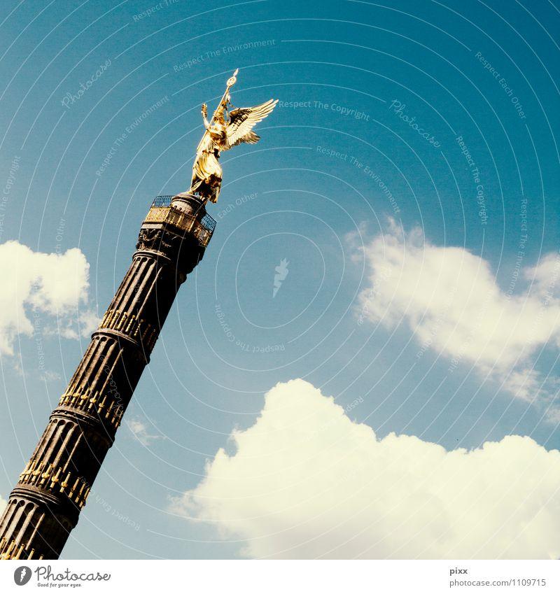 viktoria blau Sommer Sonne ruhig Wolken feminin Berlin Freiheit Stein Kunst glänzend leuchten elegant gold Tourismus stehen