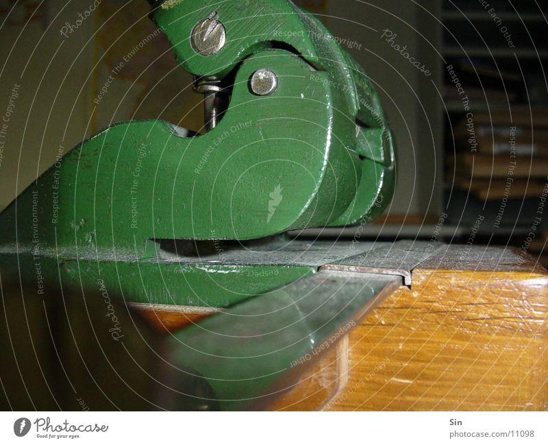 Locher grün Metall Dinge Schreibwaren Locher