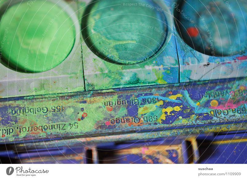 malen III Wassermalfarbkasten Farbtopf blau grün dreckig vermalt Pinselstrich Farbkasten Fleck Kunst Aquarell