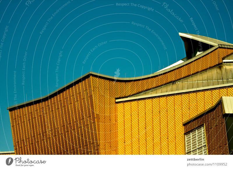 Philharmonie Himmel Architektur Berlin Fassade gold modern Kultur Dach Bauwerk Wolkenloser Himmel hören Hauptstadt Konzert Geometrie Klassik Rhythmus
